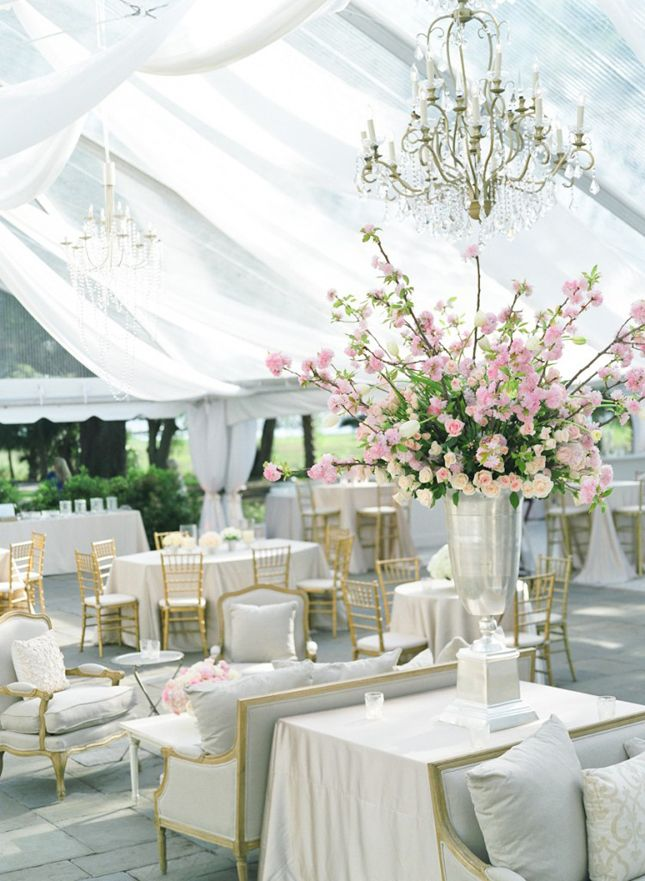 Easy Ways to Design Your Wedding with Home Décor