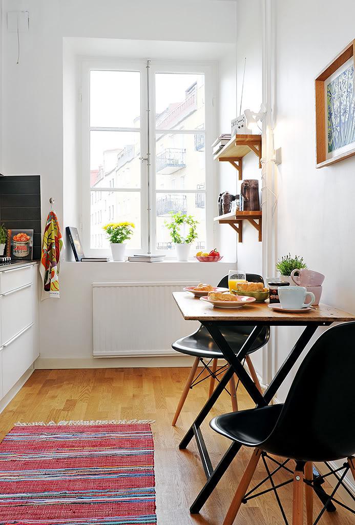 Tiny Kitchen Dining Set