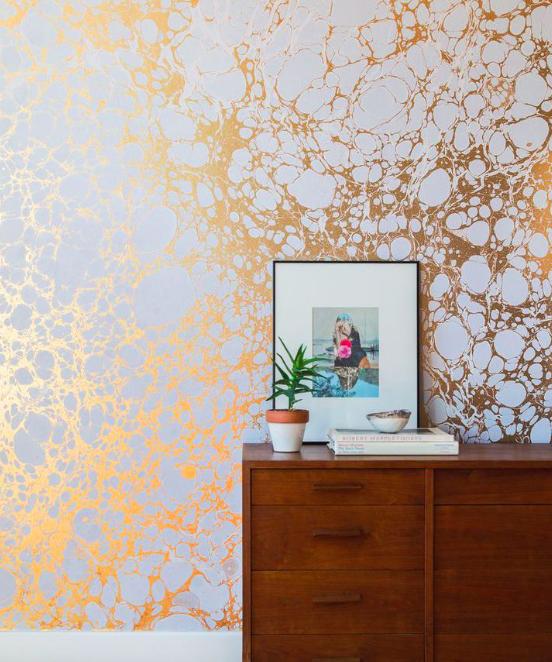 Home decor trends 2016 - metallic wallpaper