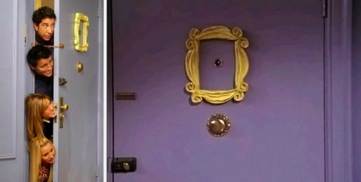 Home decor inspired by Friends - Monica's apartment - door
