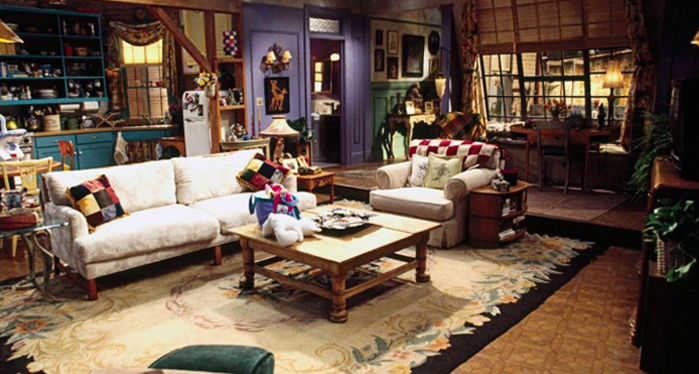 Home Decor inspired by Friends - Monica's Apartment - living room