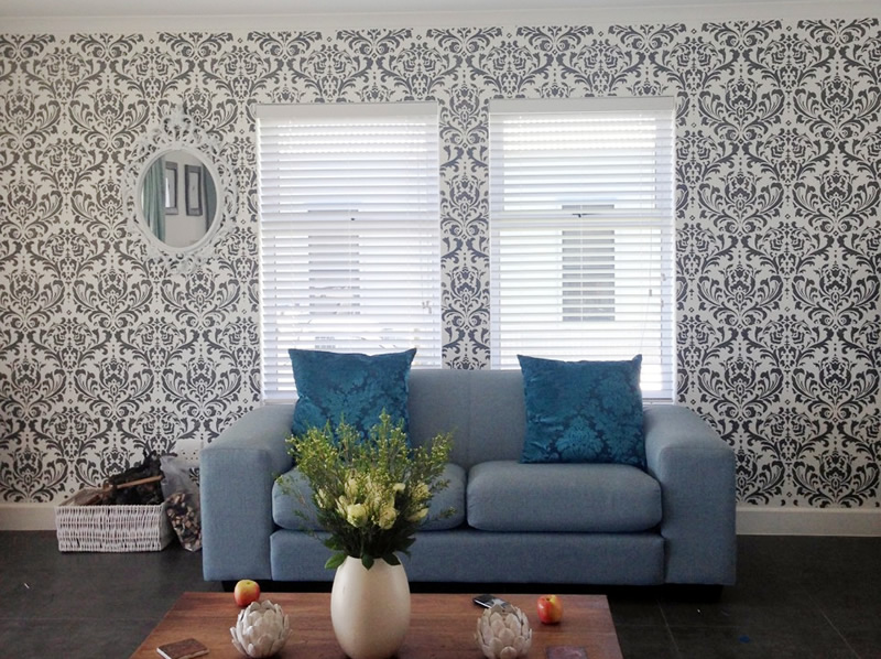 3 DIY projects you can do with your roommate this weekend - Paint Stencil Wallpaper