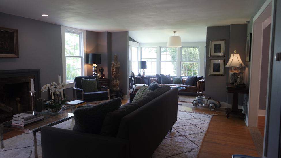 House Tour: Kevin and Joe's Getaway Home - living room