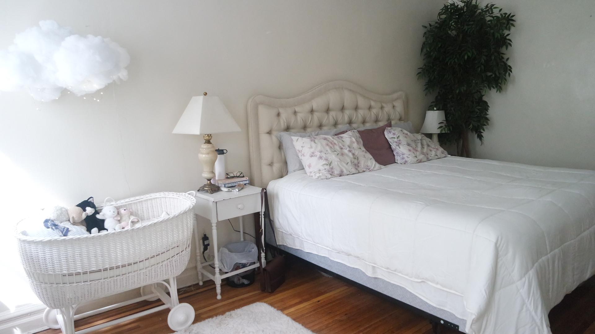 creative white bedroom set
